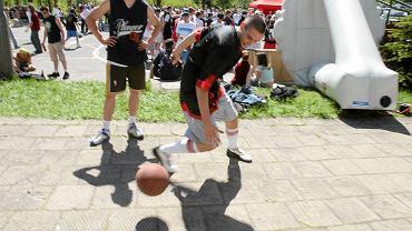 Streetball pod halą Urania (2005 r.)