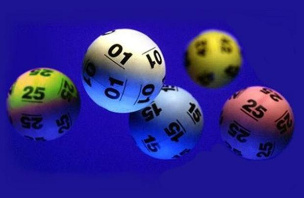 Grasz w Lotto, finansujesz baseny i boiska. Ale rząd...