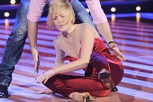 W ostatnim odcinku Tańca z Gwiazdami Weronika Marczuk i Jan Kliment tańczyli cza czę ułożoną dla nich przez Michała Piróga. Wszystko szło dobrze do chwili, kiedy Weronika wypadła z objęć partnera i uderzyła twarzą o parkiet. Kliment szybko ja podniósł, ale gwiazda  wyglądała na obolałą i cały czas trzymała się za nos. Taki upadek musiał być bardzo bolesny!