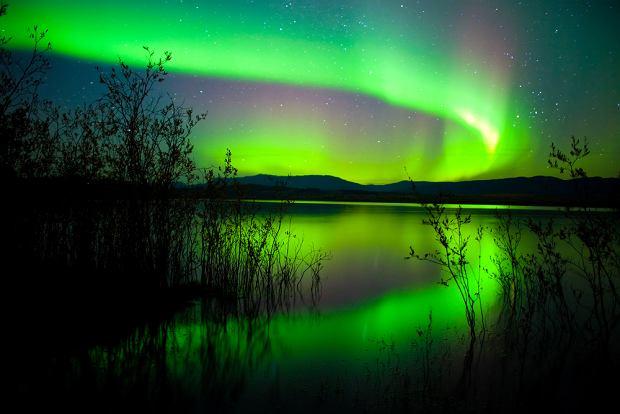 Aurora borealis, zorza polarna, norwegia, islandia, kanada