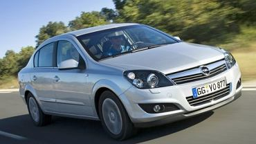 OPEL Astra III Sedan 07-10 2007 sedan przedni prawy