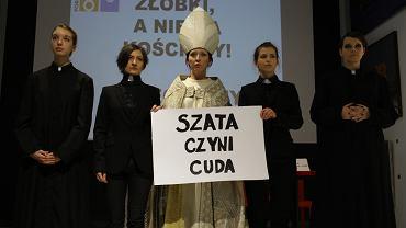 Organizatorki Manify na Dzień Kobiet przebrały się za księży