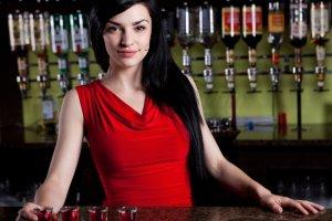 Udany podryw barmanki w 6 krokach