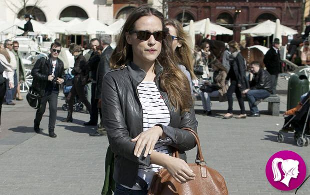 Alicja Bachleda-Curuś na Rynku Głównym w Krakowie uczestniczyła w promocji fundacji DKMS -