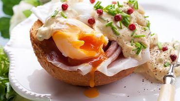 Jajka z sosem jogurtowo-musztardowym
