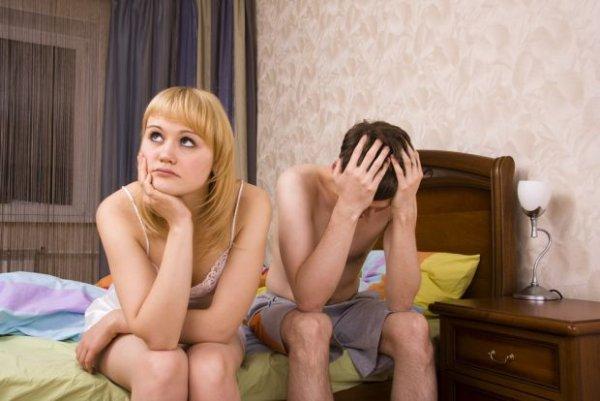 Społeczeństwo kształtuje w nas poczucie wstydu oraz przekonanie, że ze wszystkim musimy poradzić sobie sami.