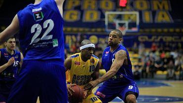 Jerel Blassingame (z piłką)
