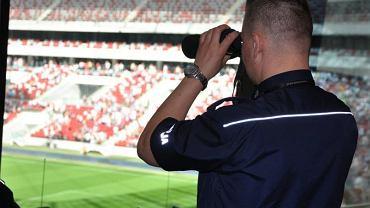 Policja zabezpieczała mecz Polska - Grecja na Stadionie Narodowym