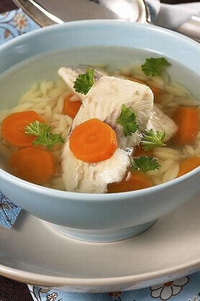 Rosół odmieniony! Znajdź pomysł na niedzielną zupę