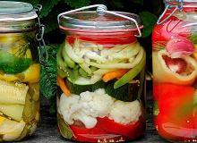 Pikle warzywne z miodem - ugotuj