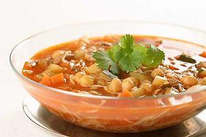 Shorba z mięsem (arabska zupa z jagnięciny)