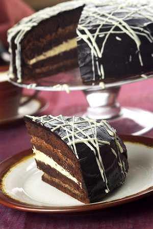 Tort z czekoladowego biszkoptu