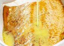 Łosoś z sosem cytrynowo-tymiankowym - ugotuj