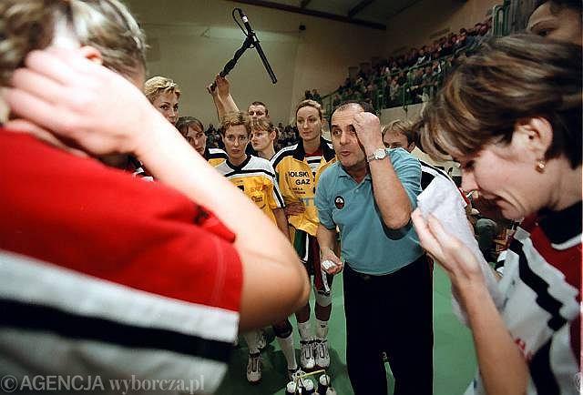 Wielkie czasy pilskiej siatkówki - ówczesna Nafta Piła pod wodzą trenera Jerzego Matlaka walczy z włoskim Caposud Reggio di Calabria