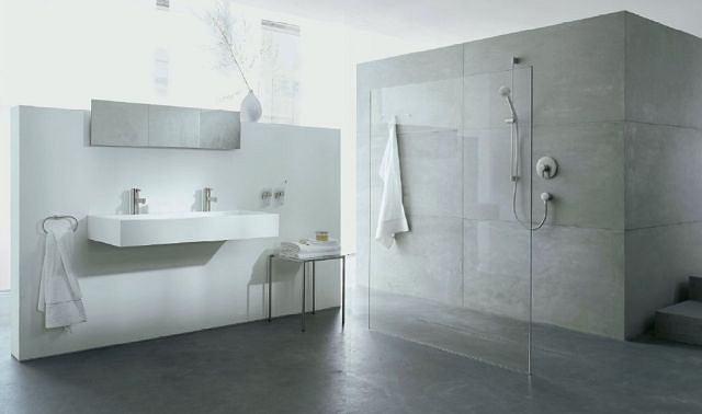 Jedna kąpiel w wannie to średnio 150 l zużytej wody. Szybka kąpiel pod prysznicem - zaledwie 35 l
