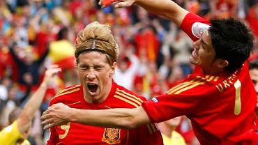 Hiszpan Fernando Torres świętuje bramke na 1:0 w meczu ze Szwecją