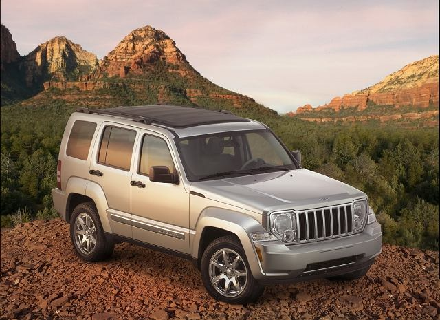 Nowy Jeep Liberty z wyglądu przypomina większego Commandera.