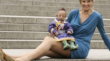 Najdłuższe nogi z najmniejszym człowiekiem (fot. AP)