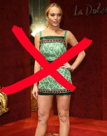 Lindsay Lohan w zielonej sukience mini