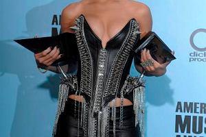 Rihanna na gali American Music Awards w Los Angeles