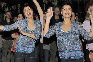 Joannę Brodzik rozpierała energia na koncercie Marzeny Rogalskiej. Ciekawe do jakich piosenek tańczyła?