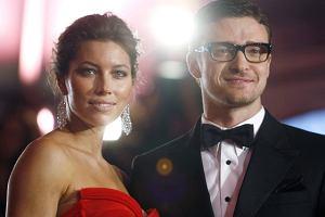 Na imprezie Costume Institute Gala Jessica Biel wyglądała świetnie w szykownej sukience. Czy to samo można powiedzieć o Justinie Timberlake'u? Niekoniecznie.
