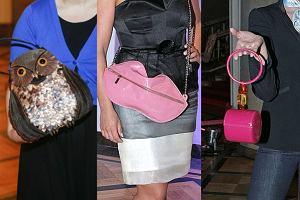 Czy torebka może być dziełem sztuki? Zapewne. Na wystawę zabytkowych torebek Vintage zostało zaproszonych kilka znanych osób, które, jak widać, postarały się i na imprezę zabrały swoje najoryginalniejsze torebki. Tych jednak dziełami sztuki raczej nie nazwiemy.