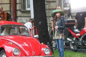 Kraków, plan zdjęciowy serialu ''Po prostu Majka'', na zdjęciu Joanna Osyda.