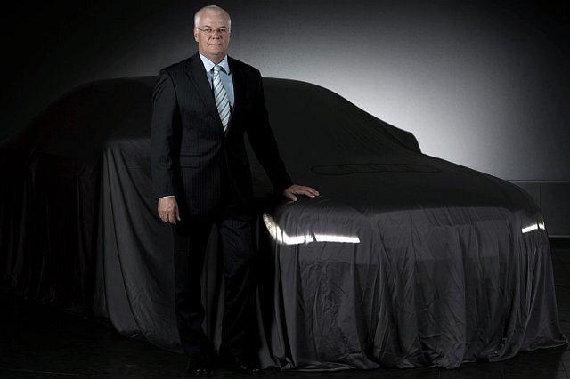 Michael Dick - członek Zarządu odpowiedzialny za rozwój techniczny - przed nowym Audi A8