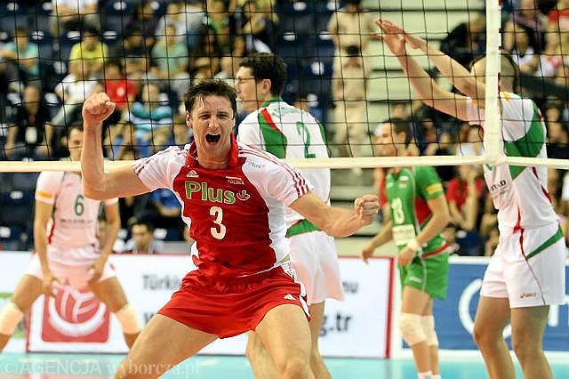 Piotr Gruszka cieszy się ze zwycięstwa z Bułgarią