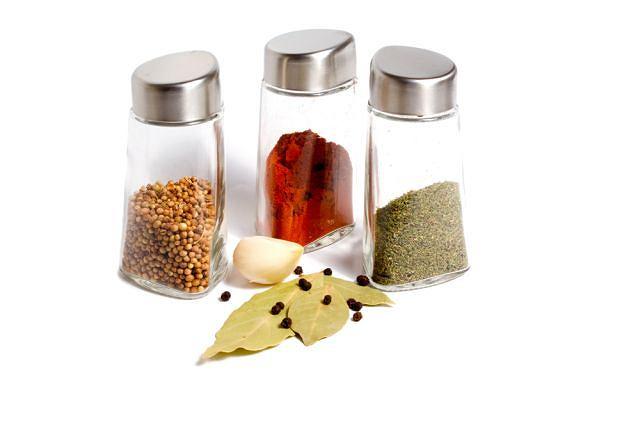 Przyprawy właściwie przechowywane bardzo długo zachowują swój aromat.