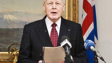 Prezydent Olafur Grimsson ogłasza, że nie podpisze ustawy  regulującej spłatę ponad 5 mld dol.