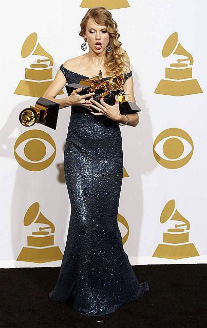 Zdjęcie numer 2 w galerii - Dwie największe triumfatorki Grammy 2010 [galeria]