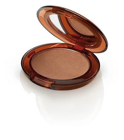 Clinique Supermoisture Makeup - w podkładzie zastosowano super-intensywnie działające składniki nawilżające i nadano mu kremowo-żelową konsystencję. Jest on idealnym rozwiązaniem dla kobiet o suchej lub mieszanej cerze. Cena 113 zł