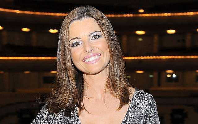 Beata Chmielowska-Olech, dziennikarka i prezenterka TVP1, skończyła dziś 35 lat. Swoją przygodę z telewizją zaczęła w 1998 roku, kiedy to zadebiutowała w