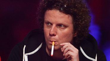 """Sidney Polak był jednym z gości imprezy """"Siła muzyki"""" w Łodzi. Muzyk walczy z paleniem, przerzucił się na elektroniczne papierosy. Dzięki temu może palić non stop."""