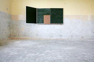 Na remontowanie szkół po powodzi nie ma chętnych