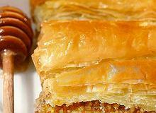 Ciasto filo przekładane orzechami (Baklava) - ugotuj
