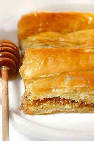 Ciasto filo przekładane orzechami (Baklava)