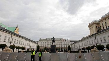 Pałac Prezydencki pół roku po katastrofie smoleńskiej