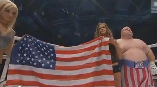 Hymn USA w wykonaniu Krautwursta