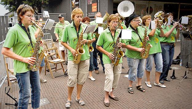 Vierdaagse: Okoliczni mieszkańcy robili, co mogli, aby maszerujący choć na chwilę zapomnieli, ile jeszcze zostało do mety.