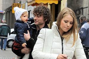 Po kilkutygodniowej trasie koncertowej po USA do Polski powrócił Piotr Rubik z rodziną.