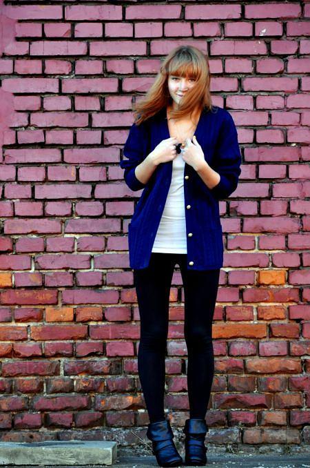 top - H&M. legginsy - H&M, cardigan - second hand, buty - Step, pierścionek - DIY
