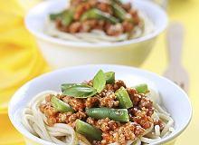 Sos mięsny z pomidorami i fasolką szparagową - ugotuj