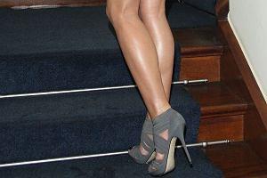 Justyna Steczkowska na gali Najlepsze dla Urody odsłoniła swoje piękne, długie nogi, które wydają się nie mieć końca. My jesteśmy wielkimi wielbicielami tych nóg. Zobaczcie i oceńcie sami...