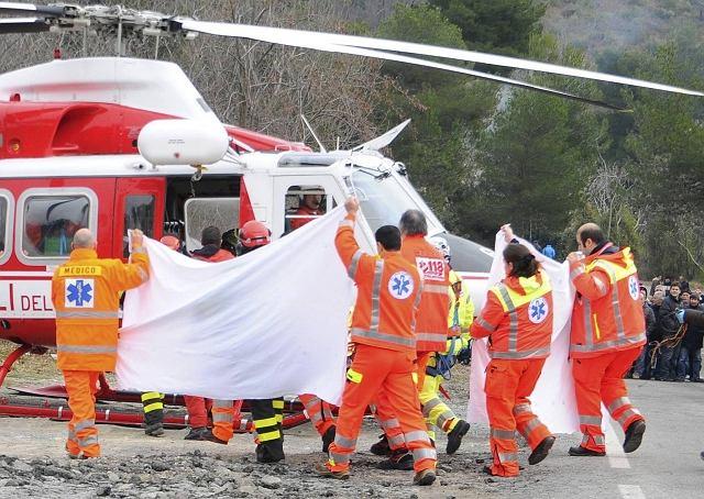 Robert Kubica przenoszony do helikoptera ratunkowego
