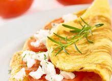 Omlet z kozim serem i rozmarynem - ugotuj
