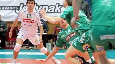 Marcin Mierzejewski (w białym stroju) został najlepszym libero turnieju w Luboniu