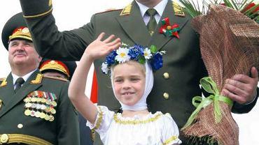 Białoruski prezydent Aleksander Łukaszenka podczas obchodów 65. rocznicy wyzwolenia Mińska przez Armię Czerwoną